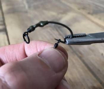 best carp rigs for beginners - ronnie rig - step 6